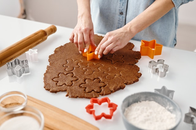 10 Best Tools To Make Tasty Cookies At Home